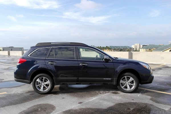 wagon love 2014 subaru outback 2 5i limited vs impreza 2 0i sport