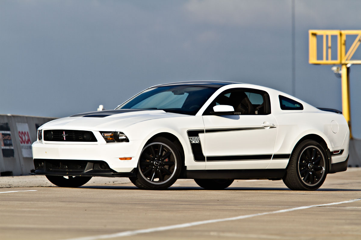 track tested 2012 ford mustang boss 302 speed sport life. Black Bedroom Furniture Sets. Home Design Ideas